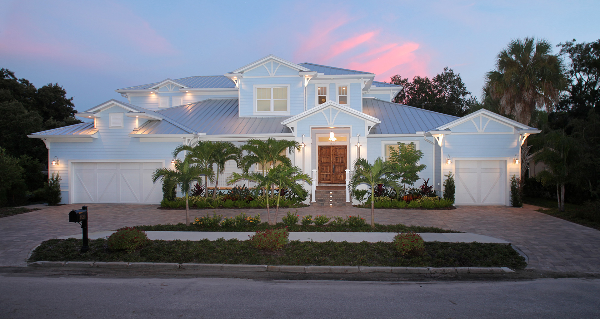 TAMPA BAY'S CUSTOM HOME BUILDERS